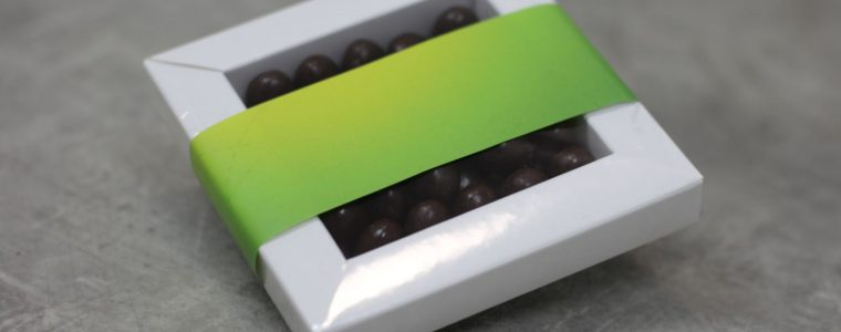 Ramka z jajeczkami w czekoladzie z obwolutą reklamową, min. 100szt.