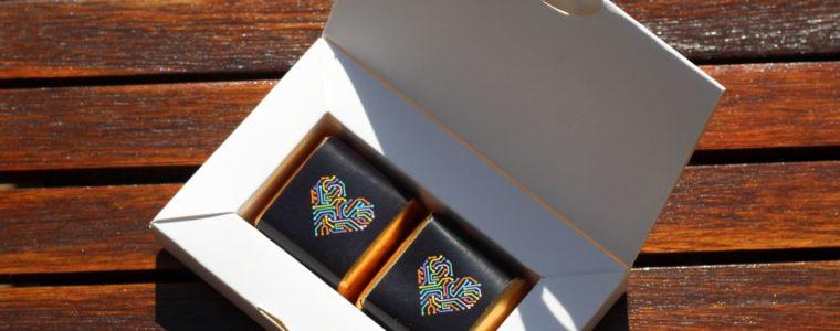 Zestaw 2 czekoladek z nadzieniem w opakowaniu reklamowym z nadrukiem, min. 100szt