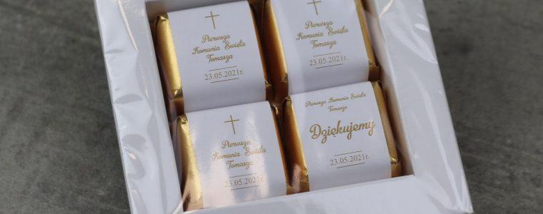 Ramka na 4 czekoladki z nadzieniem z logo, min. 25szt